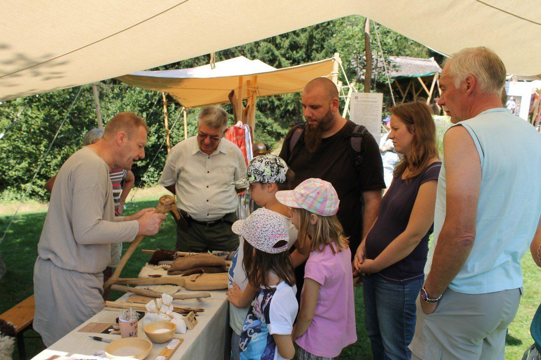 Johannes erzählt über die Salzgewinnung, Uttendorf 2015