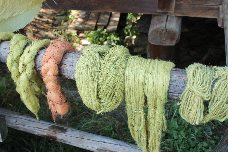 Vor Ort gefärbte Wolle, Uttendorf 2015
